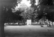 Monument (2) in Municipal Park before demolition in 1951
