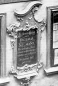 Commemorative plaque at the native house of B. Neumann. Around 1930