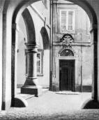 Entry into the Věčné světlo (Eternal Light) Inn in 1936