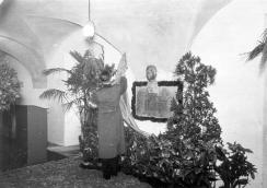 Unveiling of K. Siegl's memorial plaque in the archive on 6 November 1940
