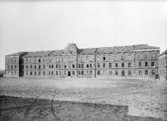 Barracks at the Upper Gate. The corporate´s living quarters. 1907