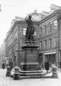 Statue of Emperor Joseph II after mounting in 1920